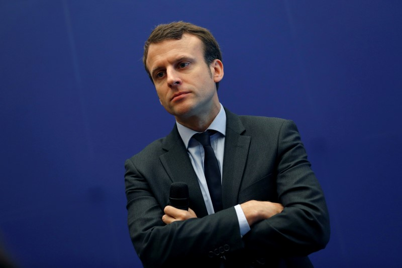 Macron defende diálogo após pior onda de protestos em Paris desde 1968