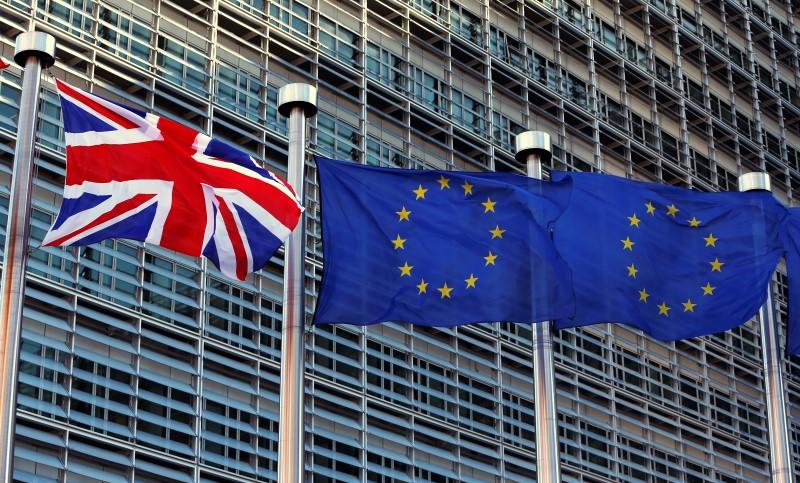 """La UE prevé conversaciones """"muy duras"""" con el Reino Unido sobre futuros lazos, advierte sobre la frontera irlandesa Por Reuters 69"""