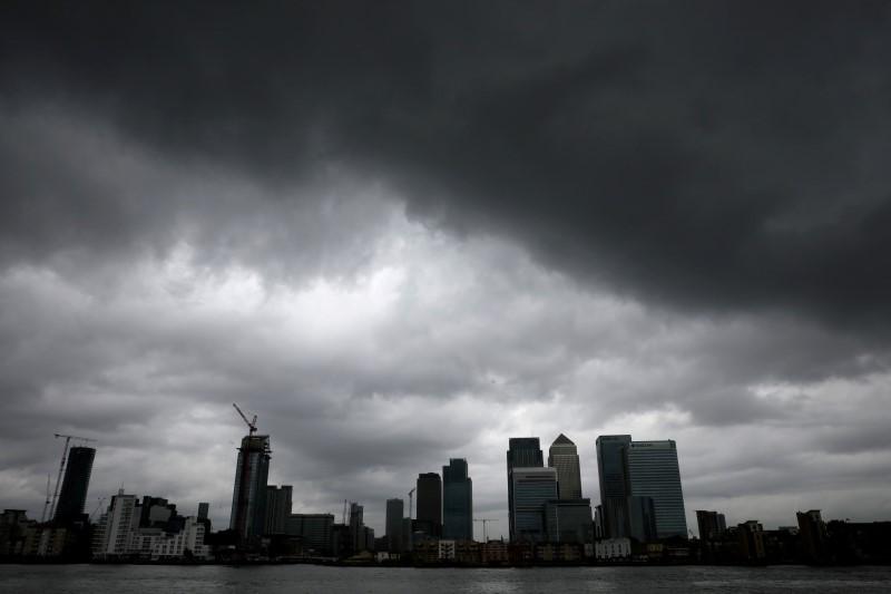 Снижение промпроизводства в Великобритании в сентябре оказалось сильнее прогнозов