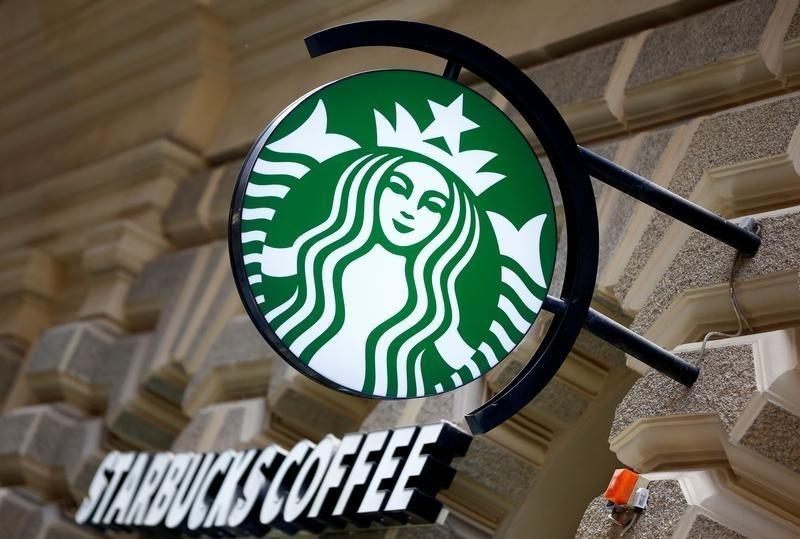 Starbucks will Technologie und persönliche Verbindungen in Einklang br