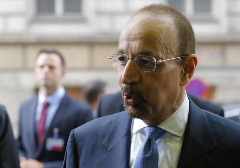 © Reuters.  Саудовская Аравия пока не решила, стоит ли продлевать нефтяной пакт