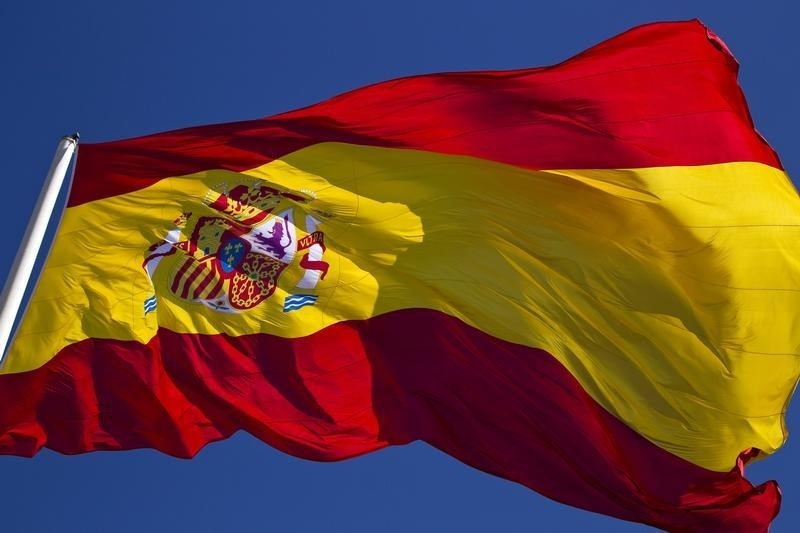 © Reuters.  Spain's Deputy PM says Catalan has until Thursday to rectify decision.