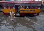 UPDATE 1-Traffic gridlocked as monsoon rains flood India's financial capital