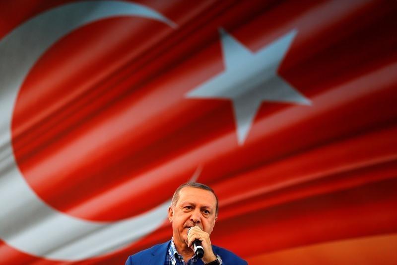 © Reuters.  *Update* Erdogan: Tauscht Eure Dollar- und Goldbestände in türkische Lira