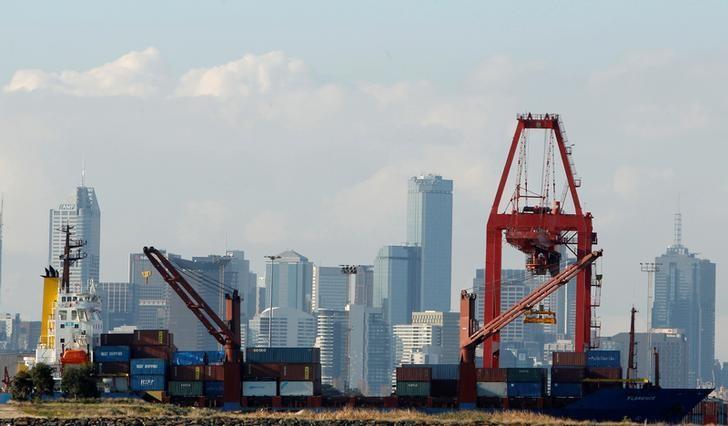 Neraca Perdagangan RI April Defisit $350 Juta, Ekspor Turun 7,02%