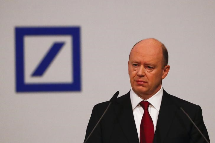 © Reuters.  Deutsche Bank verspricht bessere Zeiten