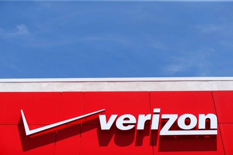 Verizon Falls 3%