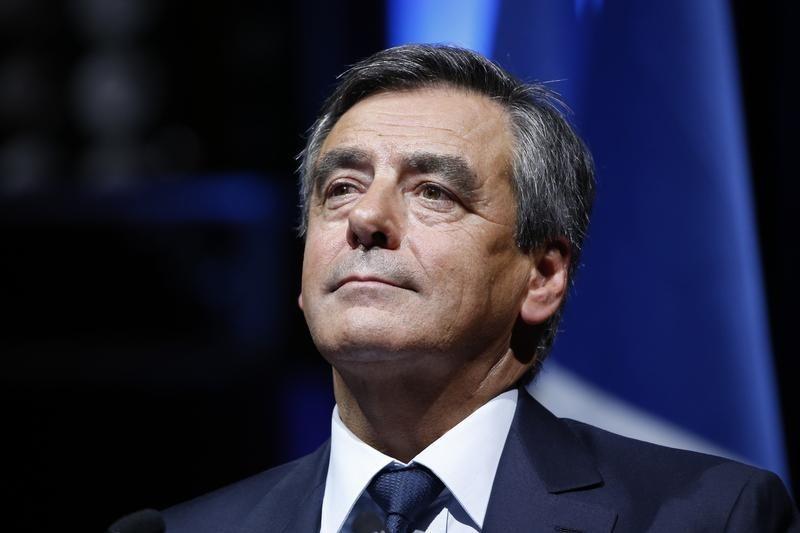 © Reuters.  Отстающий от лидеров французской президентской гонки Фийон хочет союза Запада и РФ против ИГИЛ