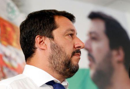 El Senado italiano ralentiza la crisis de gobierno y frustra a Salvini