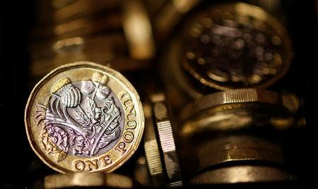 Sube la libra; la subida de la inflación del Reino Unido sigue presionando