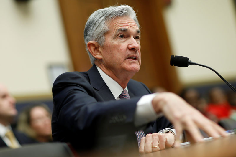 © Reuters.  Democrat Chides Fed Chair Powell Over Attendance at Bezos Party