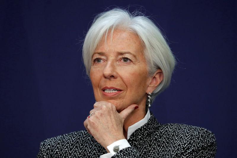 © Reuters.  Lagarde défend la hausse des taux de la Fed
