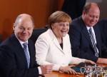 POLITIK-BLICK-Umfrage - Union und SPD legen in Wählergunst leicht zu