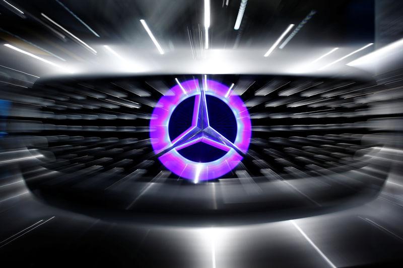 AKTIE IM FOKUS: Daimler ziehen an nach Sparplan-Bericht im 'Manager Magazin'