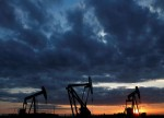Oil markets struggle to find footing after 7 pct slump
