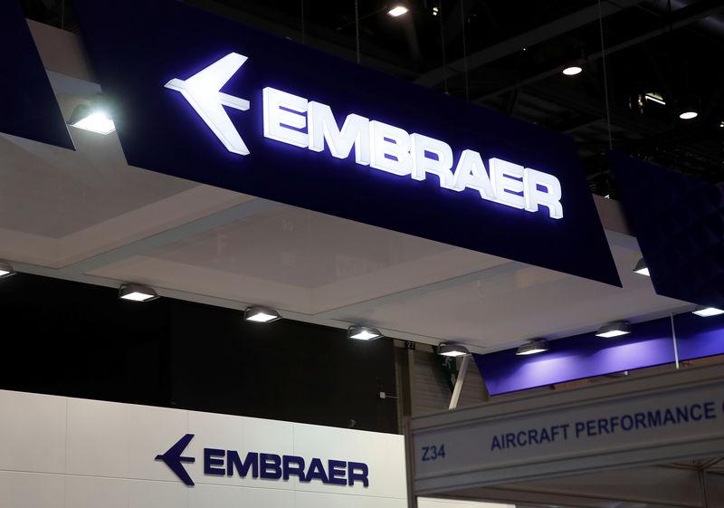 © Reuters.  Embraer dispara com aval do governo para fusão com a Boeing