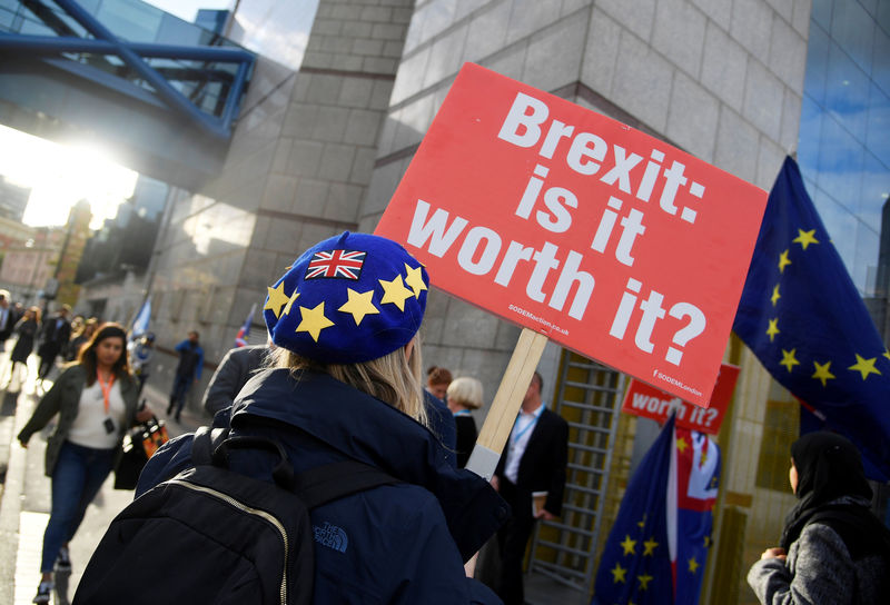 Barnier und Barclay sprechen über neue Brexit-Ideen Von Reuters