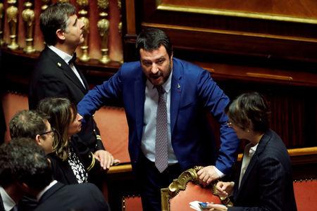 İtalya'da Başbakan Yardımcısı Salvini koalisyonun işlemediğini belirterek yeni seçim çağrısında bulundu
