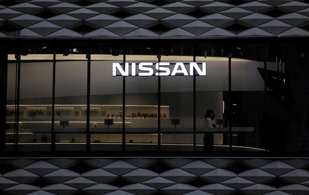 Caen Nissan y Renault tras los peores resultados en una década