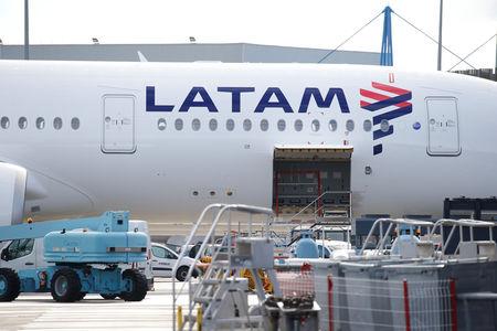 LATAM Airlines formaliza financiamiento en EEUU e incorpora unidad de Brasil a protección bancarrota