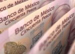 Peso mexicano cae ante aversión por activos de riesgo, temores guerra comercial