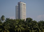 Indian shares gain, consumer stocks lead