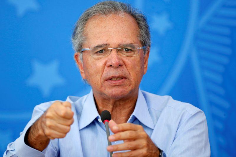 Guedes defende imposto por tráfego digital de transações e diz que tarifas por transferências já são CPMF