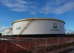 Venda de ações da Petrobras rende R$ 22 bi ao BNDES; estreia da Locaweb na B3, novo CFO da Ambev e mais destaques