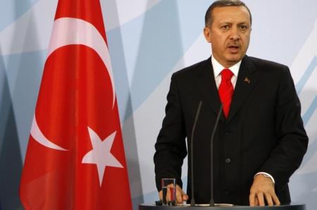ABD'nin 50,000'e varan tırla terörist gruplara mühimmat göndermesi bizi rahatsız ediyor, bunlar Türkiye'ye karşı kullanılıyor-Erdoğan