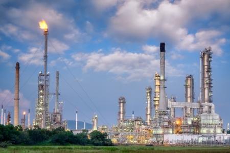 أسعار النفط مستقرة، بينما ينتظر العالم حديث وزير الطاقة السعودي