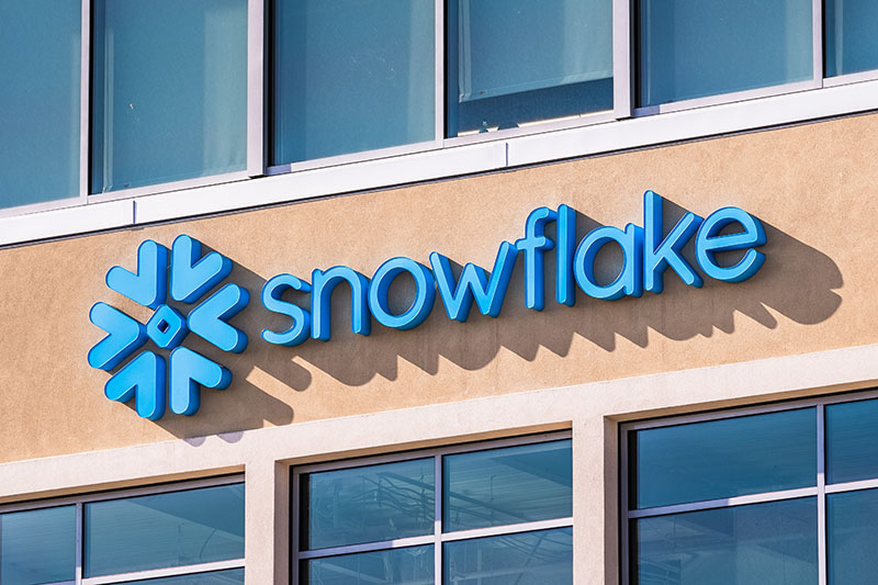 Snowflake Reports Wider Loss in Q4; Shares Slump