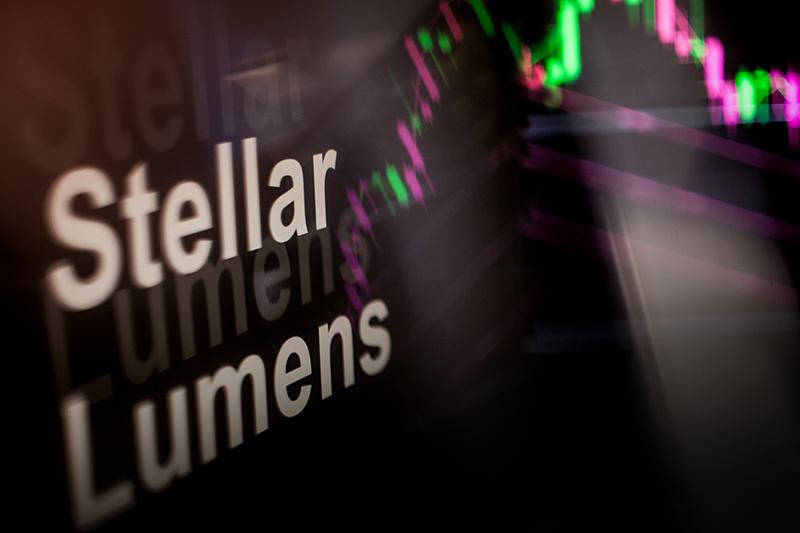 Stellar Lumens (XLM) Technical Analysis: Stellar Price Tracking in Bearish Descending Triangle