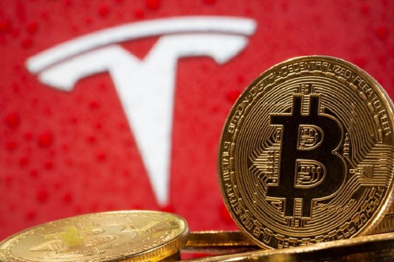 Tesla, 'tam otonom' teknolojisinin ününü sarsan kazanın ardından zayıfladı