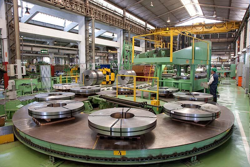 Resultado de imagem para Usiminas negocia com montadoras reajuste de 25% para preços de aço em 2018