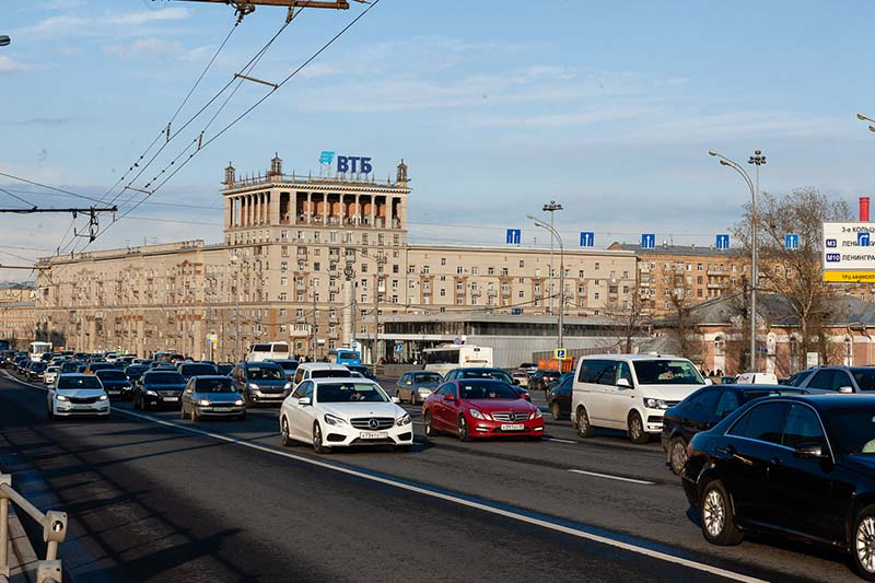 ВТБ разместил пять выпусков инвестоблигаций общим объемом 855,8 млн рублей