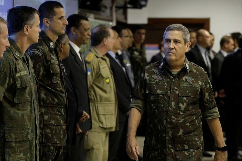 Braga Netto nega existência de leitos ociosos em hospitais militares