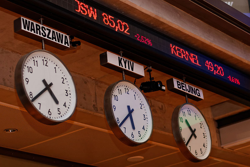 Poland shares lower at close of trade; WIG30 down 0.68%