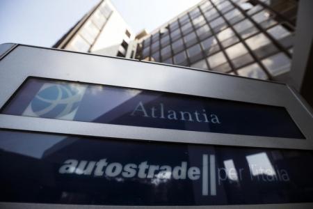 Piovono acquisti su Atlantia: si avvicina l'addio di Benetton