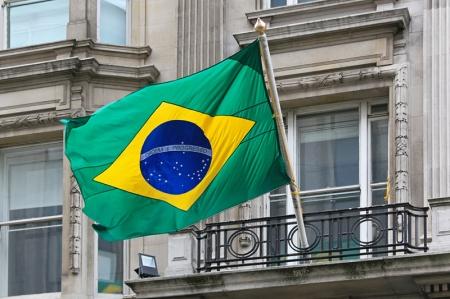 Agências de risco aprovam queda de dívida brasileira, mas aguardam PIB mais vigoroso