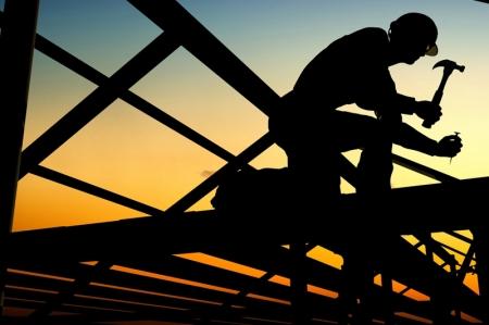 نشاط البناء البريطاني يسجل أعلى مستوى له في 8 أشهر