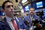 S&P 500 erases early losses to end flat; energy, tech up