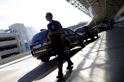 Eike Batista é detido pela PF ao desembarcar no Rio e vai para presídio