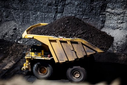 Trump offers federal coal to industry awash in reserves