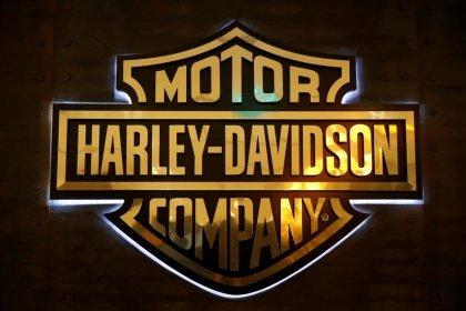 Harley offers rare incentives to shift bike overhang: dealers