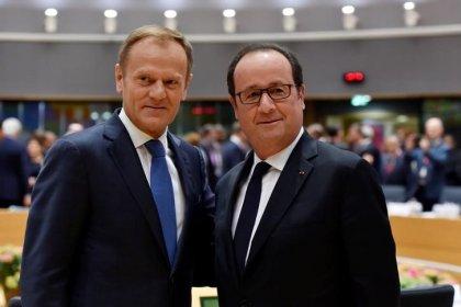 Hollande fait du second tour un vote sur l'Europe