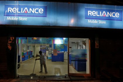 Reliance Communications hit by Indian mobile price war