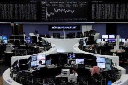 Greece, Italy tensions hit euro, Asian stocks, lift yen, gold