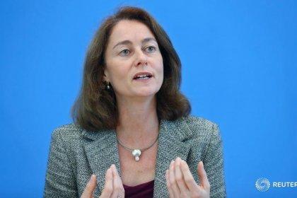 Regierung sieht Erfolg durch Frauenquote - Unzufrieden mit Vorständen