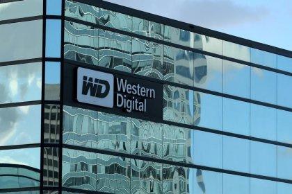En el último minuto, Western Digital vuelve a pujar por filial de chips de Toshiba