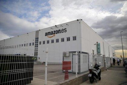 DIA y Amazon amplían a Barcelona su alianza de reparto a domicilio